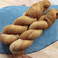 Blumenschaf Merino-Cotton-Silk pflanzengefärbt 400m/100g - Faulbaum 1. Zug