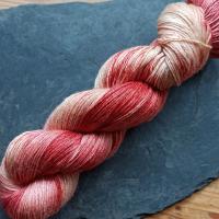 Blumenschaf Merino-Silk pflanzengefärbt 400m/100g - Krapp hell meliert - UNIKAT