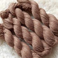 Sockengarn Turin - Merino-Seide-Ramie - pflanzengefärbt 100g *Walnuss mittelbraun